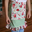 girl's kitchen apron